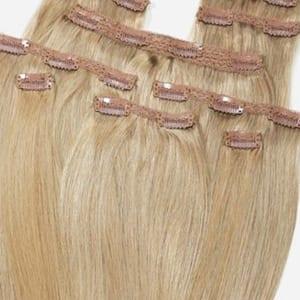 detalle de una extensión de pelo clip-in