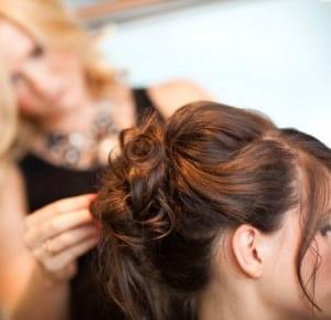 Ajuste de peluca oncológica sintetica
