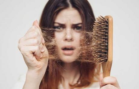 causas-de-caida-de-cabello-en-mujeres