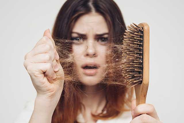 las principales causas de la pérdida de pelo en las mujeres.